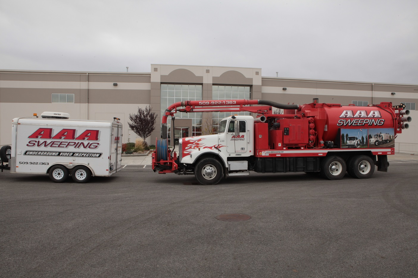 hydrovactor truck and trailer